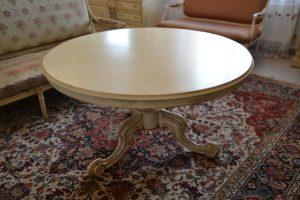 Apvalus provanso stilaus  stalas. Restauruotas.