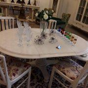 baltas stalas 1