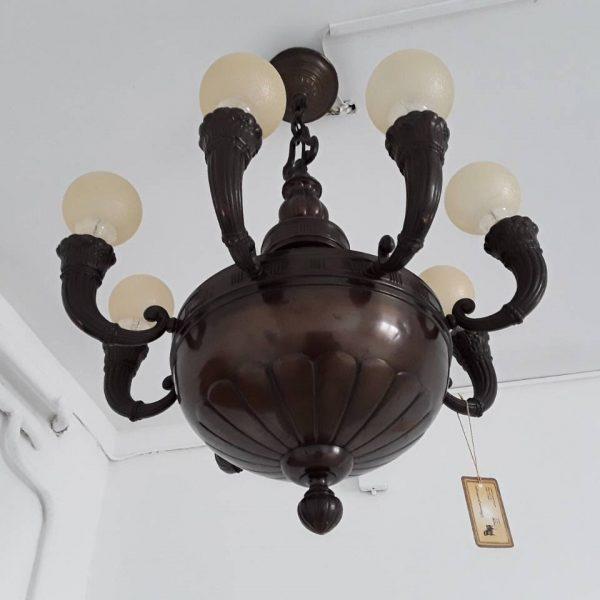 Šviestuvas apvaliomis lemputėmis 1