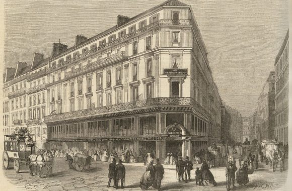 Prolongation_de_la_rue_Drouot,_magasins_de_nouveautés_du_Carrefour-Drouot