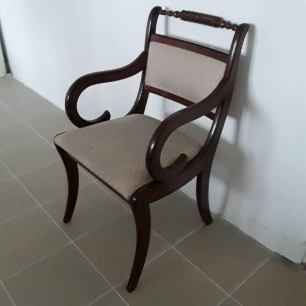 Kėdė riestais ranktūriais 2
