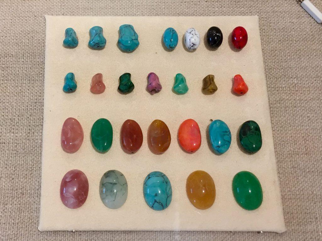Brangiųjų akmenų imitacijos, Murano muziejaus kolekcija, 1960 metai.