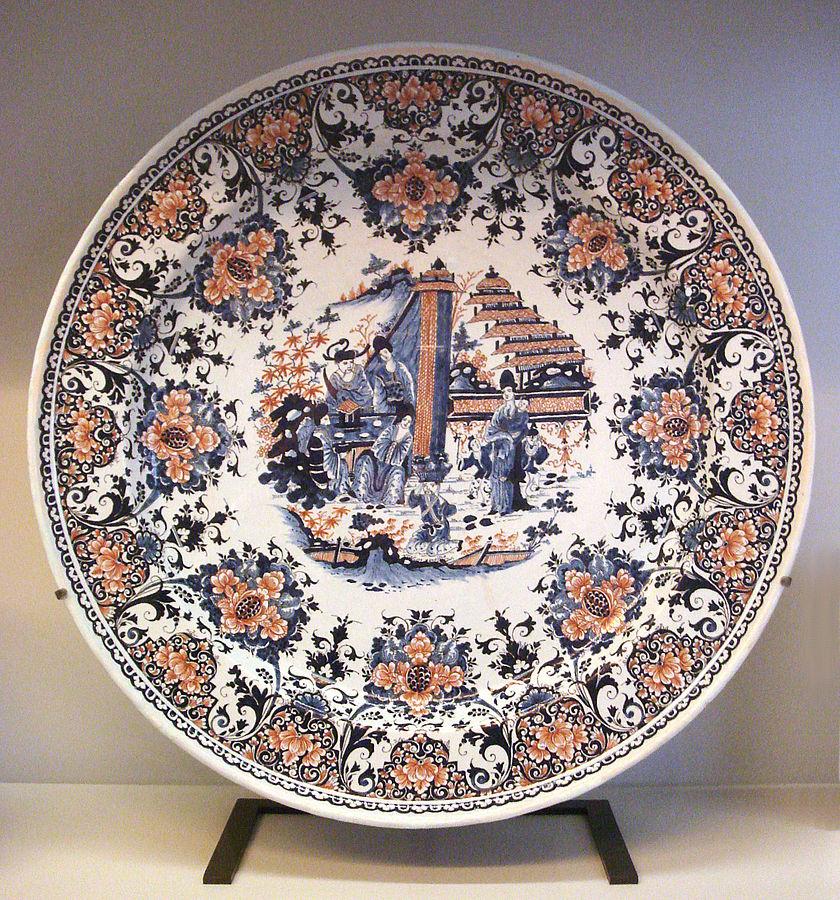 Rouen fajanso lėkštė su kiniška scena. 1730 metai.