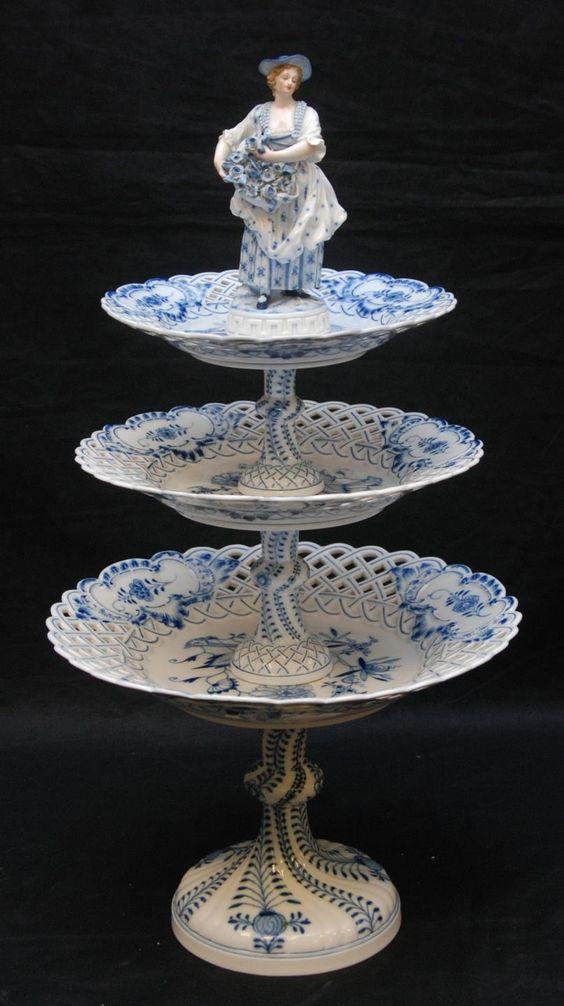 Meissen porceliano pyragėlių stendas. 1860-1880 metai.