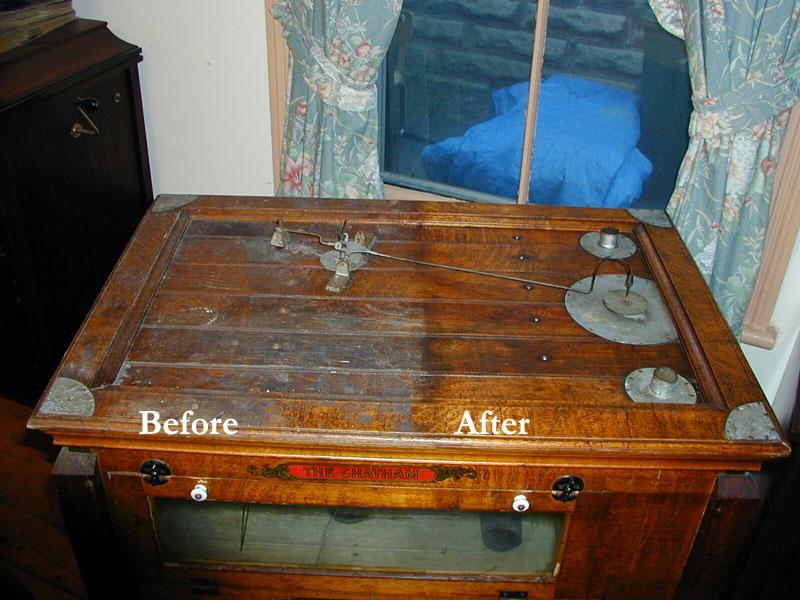 Vaškuotas antikvarinis baldas. Prieš ir po restauracijos.