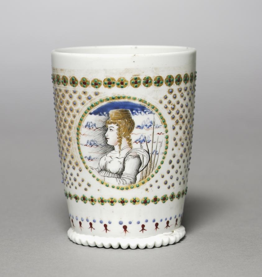 Vedybų puodelis, pieno stiklo technika (lattimo), 1400 metai, Venecija.
