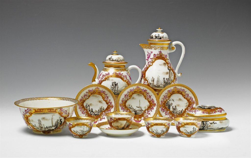 2017 metais, Lempertz aukcione parduotas už 18.600 €, Meisseno porcelianinis servizas, 1730 metai (pagamintas iš kietojo porceliano).