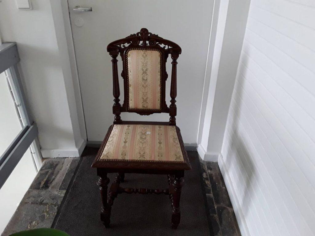 Antikvarinės ąžuolinės kėdės 270,00€ Yra 6 vnt.