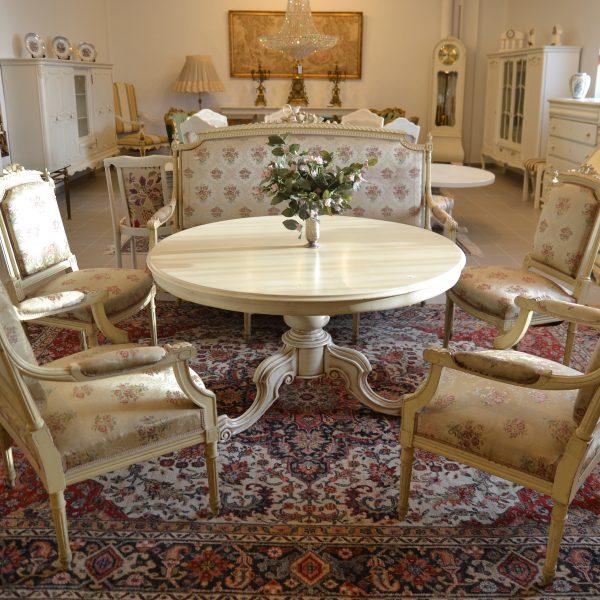 Minkštų baldų komplektas 900,00€