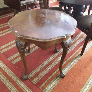 Antikvarinis staliukas 110,00€ Riešutmedžio mediena Diametras 70 cm Aukštis 65 cm