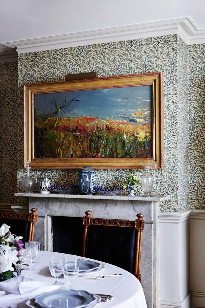 Pusiau abstraktus škotų dailininko Joan Eardley pakrantės peizažas.